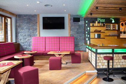 Deckengestaltung im Pizz Pub