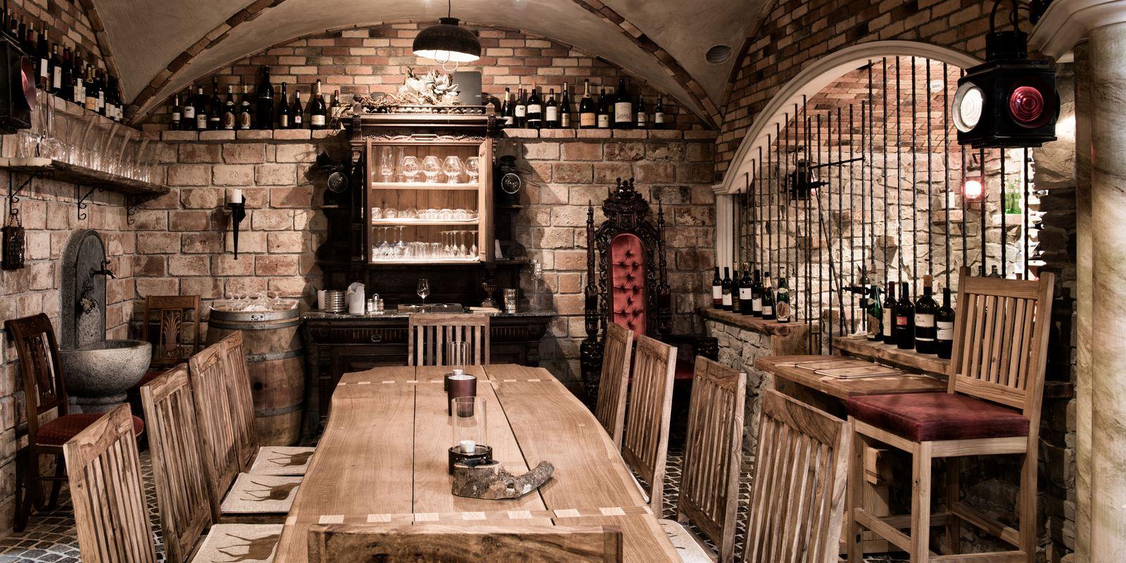 Wir gestalten Ihren Weinkeller