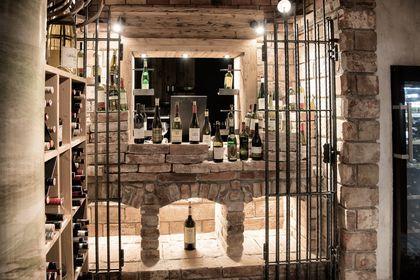 Die typischen gemauerten Weinkojen werden von uns angefertigt